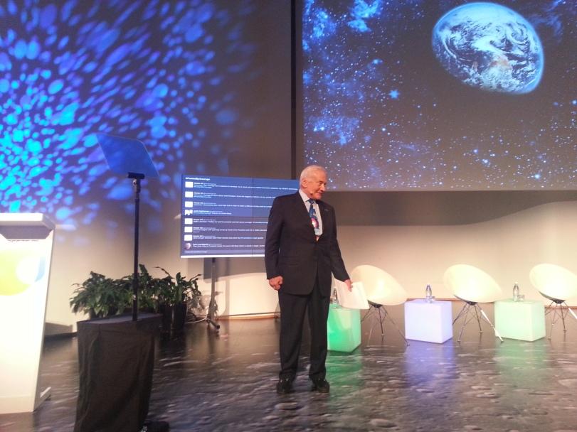 Buzz Aldrin ei päässyt astronauttien ryhmään ensimmäisellä yrittämällä. Mutta kehittämällä kykyjään ja valmiuksiaan hän lopulta voitti ja pääsi toteuttamaan unelmansa.